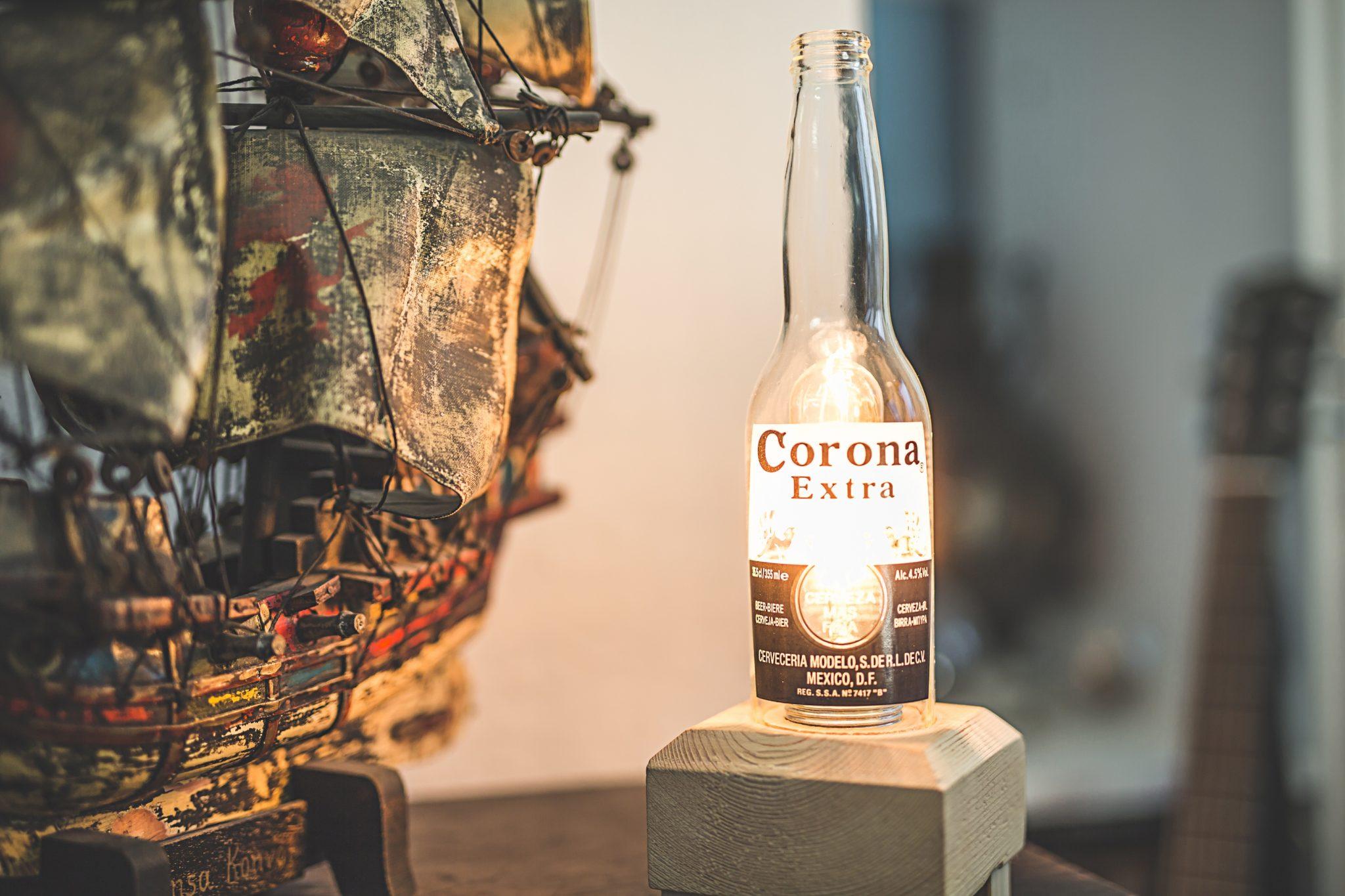 Flaschen-Stehlampe
